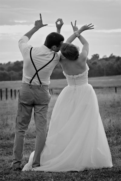 Wedding; Wedding Photography; Wedding Photo; Getting Ready; Garden Photography; Bride And Groom; Bridal Party; Rustic Wedding;Embrace;Kiss
