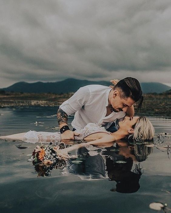 Wedding; Wedding Photography; Wedding Photo; Getting Ready; Garden Photography; Bride And Groom; Bridal Party; Rustic Wedding;Embrace;Kiss;Church Wedding; Beach Wedding; Love; Wedding Scene; Wedding Decoration; Wedding Ceremony; Background;Flowers;Marriage Proposal